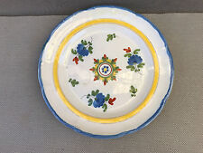 Ancienne assiette porcelaine style Moustier peint a la main collection
