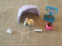 Vintage Kenner Littlest Pet Shop Zoo Baby Bobcat with Mountain Den - Complete