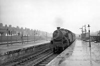 PHOTO British Railways 42684 (LF) tn for Fenchurch Street entg East Ham