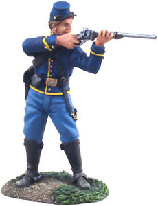 W.Britain -31063 - Union Cavalry Trooper Dismounted Standing Firing No.1