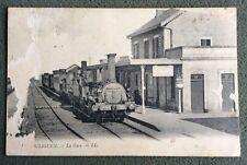 CPA. LE POULINGUEN. 44 - La Gare. 1919. Train. Locomotive PO 155. Carte abîmée.