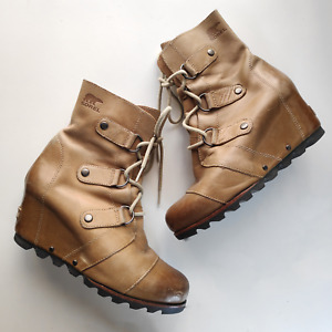 Sorel Joan of the Arctic Leather Wedge Bootie Mid tan light brown Sz 7.5 / 38.5