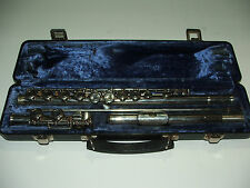 Armstrong 104 silver plated flute w/ case OUTSTANDING CONDITION 39 43821