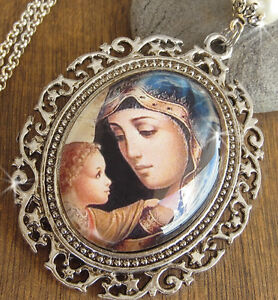 VINTAGE GLASS CABOCHON PENDANT NECKLACE MARY MOTHER JESUS SILVER PLATED CHAIN