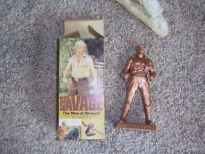 DOC SAVAGE 1975 The Man of Bronze statue Warner Bros. 7 inches tall Original Box