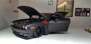 1:24 Modèle Dodge Challenger 2008 Noir Maisto Lowered 32529 Chaud Tige Die Cast