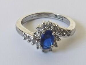 Vtg 925 Sterling Silver Ring SIZE 4.5 (2.3 grams) 8-A