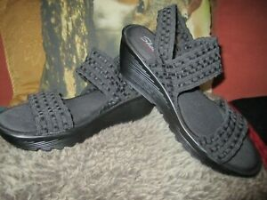 Womens  Skechers wedges wave  stretch sandals size 7