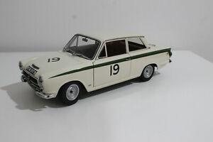 AUTOART  86439 LOTUS CORTINA MKI N 19 WINNER 6h BRANDS HATCH 1964 #  1/18