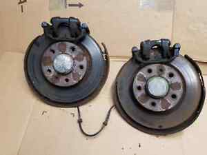 VAUXHALL CORSA VXR COMPLETE REAR HUBS WITH CALIPERS - CARRIERS PAIR D MODEL 2007