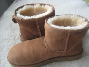 UGG CHESTNUT MINI BOOTS SIZE UK 8 IN EXCELLENT CONDITION