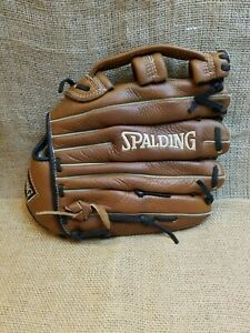 Spalding 13 1/2 Inch Pattern Top Grain Leather 42086 FR  Very Good Condition