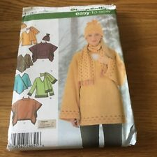 Simplicity Easy 2 Sew Top Ponchopaper sewing pattern. New & Uncut 4782 size L-XL