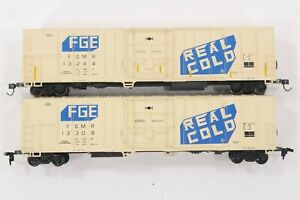 HO 2 Athearn Fruit Growers Express 57ft Mechanical Refrigerator cars w/ Diff RNs