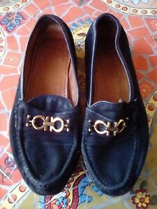 Salvatore Ferragamo Women's Loafers/Moccasins Black Suede Gold Gancini Logo 8AA
