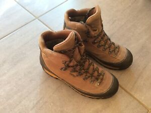 AKU Gore-tex Boots, Brown Suede Leather size UK 7.5 Vibram sole