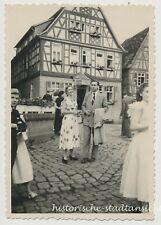 Heppenheim - Auflug Mode der 1950er Fachwerkhaus Paar - altes Foto 1954