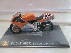 NEIL HODGSON DUCATI 996R 2001 WORLD SUPERBIKES 1-24 SCALE MOTORCYCLE MODEL