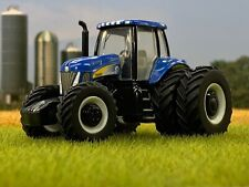 1/64 ERTL NEW HOLLAND T8040 TRACTOR