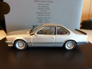 BMW COUPE 635 MINICHAMPS 1:43 GRIS CLAIR METAL