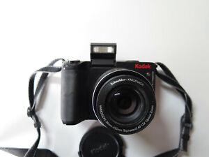 Camera Kodak EasyShare Z8612IS Digital Camera Works Well