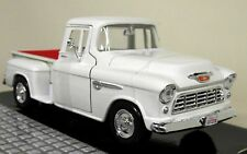 Motormax 1/24 Scale - 1955 Chevy 5100 Stepside Pickup White Diecast model car