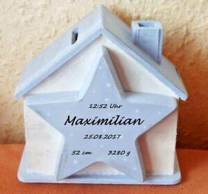 SPARDOSE Holz Haus Stern Namen Geschenk Geburt Taufe Geburtsdaten Kinder BABY