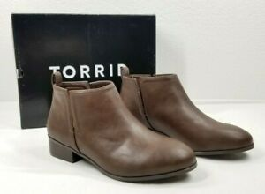 Torrid Boots Booties Size 9W 9.5W Wide V Cut Brown Vegan Leather Chelsea Ankle