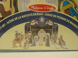 große Kinder Weihnachtskrippe - aus Holz mit Stall und Figuren - Melissa & Doug