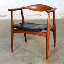 Hans Wegner Teak CH 35 Chair for Carl Hansen and Son Vintage Scandinavian Modern