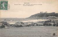 Muelle de St - las rocas sur la playa vista hacia el semáforo - BRETAÑA