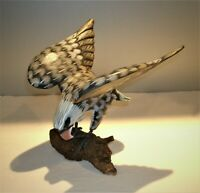 """Vtg Hand Carved & Painted Wood Eagle Sculpture 8 1/4""""T x 8"""" Wing Span x 7""""L"""