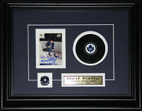 Red Kelly Toronto Maple Leafs signed card with puck frame