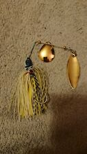 spinning lure black white and yellow