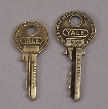 Vintage Yale & Towne Security Padlock Keys Nickel # 8089 SC228 Lot Of 2
