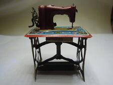 Nachlass:Orig. alte wunderschöne Blech Nähmaschine für die Puppenstube um 1900