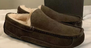 UGG ASCOT 1101110 CHARCOAL MEN'S SLIPPERS AUTHENTIC SIZE 9, WATER-RESISTANT NEW