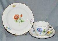 Kaffeegedeck Tasse, Untertasse, Teller, Meissen, Blume 1, handgemalt, Goldrand
