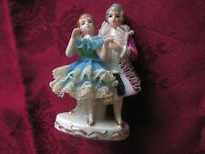 Figurine Ancienne   porcelaine    ???    (m)