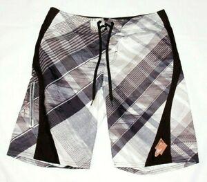 O'Neill men's shorts size 32 outseam 21 black stripe drawstring waist polyester