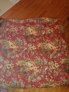 Chaps Ralph Lauren Summerton Red Floral Houndstooth Full Comforter Reversible
