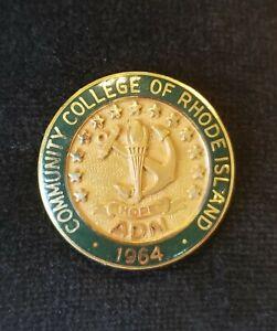 Nursing School Pin: ADN: 10K GOLD -  Degree in Nursing - Community College of RI