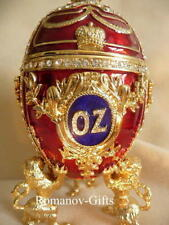 "Wizard of Oz music box Egg plays ""Over the Rainbow"" with Lily Necklace"
