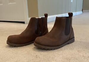 Boys UGG Boots EUC size 12