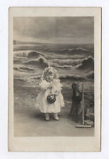 CARTE PHOTO Décor Toile peinte Postcard RPPC 1920 Enfant Fille Ballon Mer Rateau