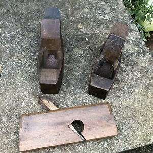 2 Antique Wooden Smoothing Plane Coffin Carpenter Carpentry 1 X Molding Joinery