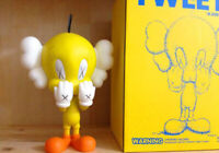 Tweety Kaws Yellow New Medicom Toy [ Original Box ] - Free Shipping