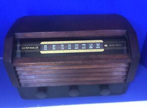 Vtg antique RCA victor 56X3 am tube radio wood case table top deco