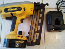 DEWALT DC618 CORDLESS 18V FINISH NAILER WITH BATTERY & CHARGER