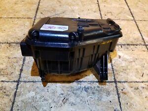 11 12 Dodge Caliber 2.0L AIR CLEANER BOX OEM